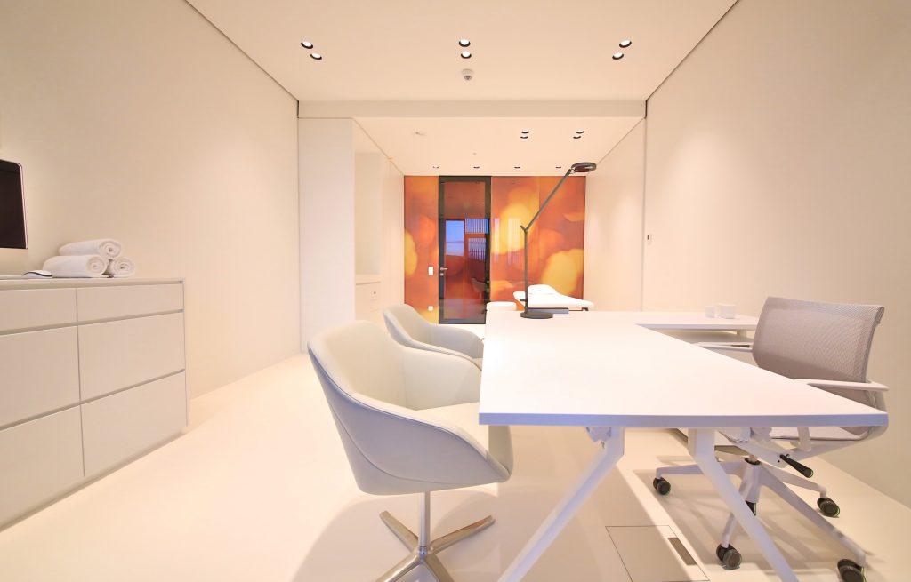 Besprechungsraum weiß