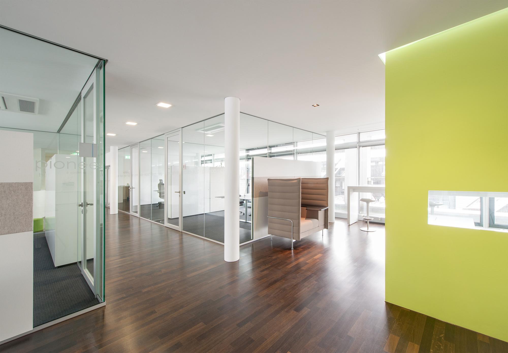 Büro Mit Glasrahmentüren