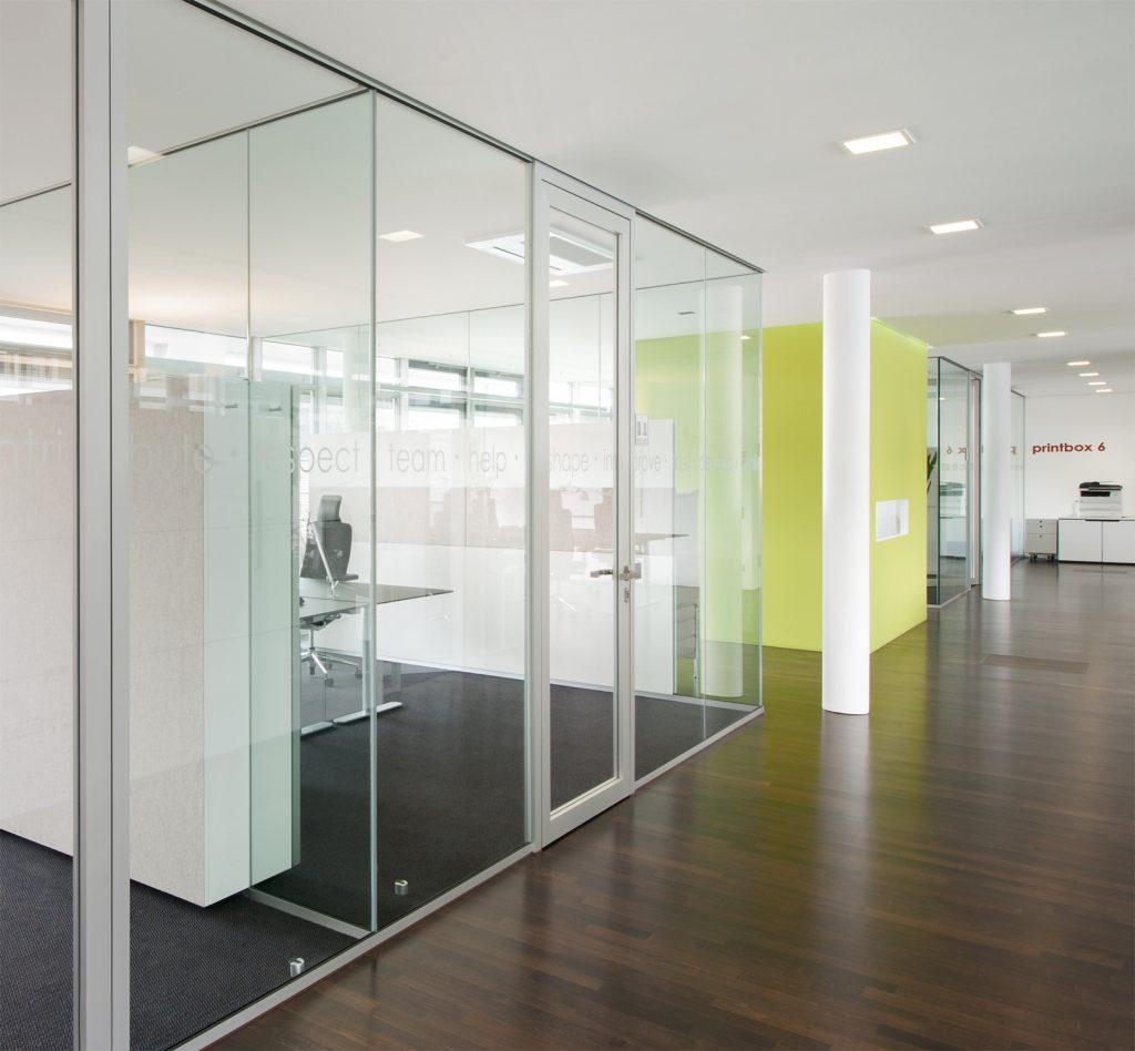 Fluransicht auf Büros