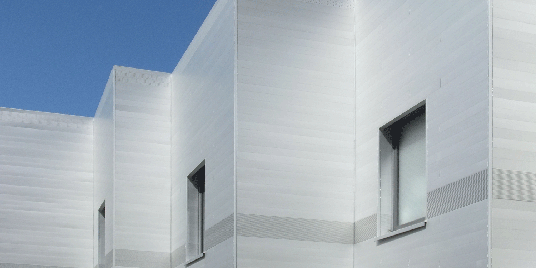 Fassadenverkleidung aus Aluminium