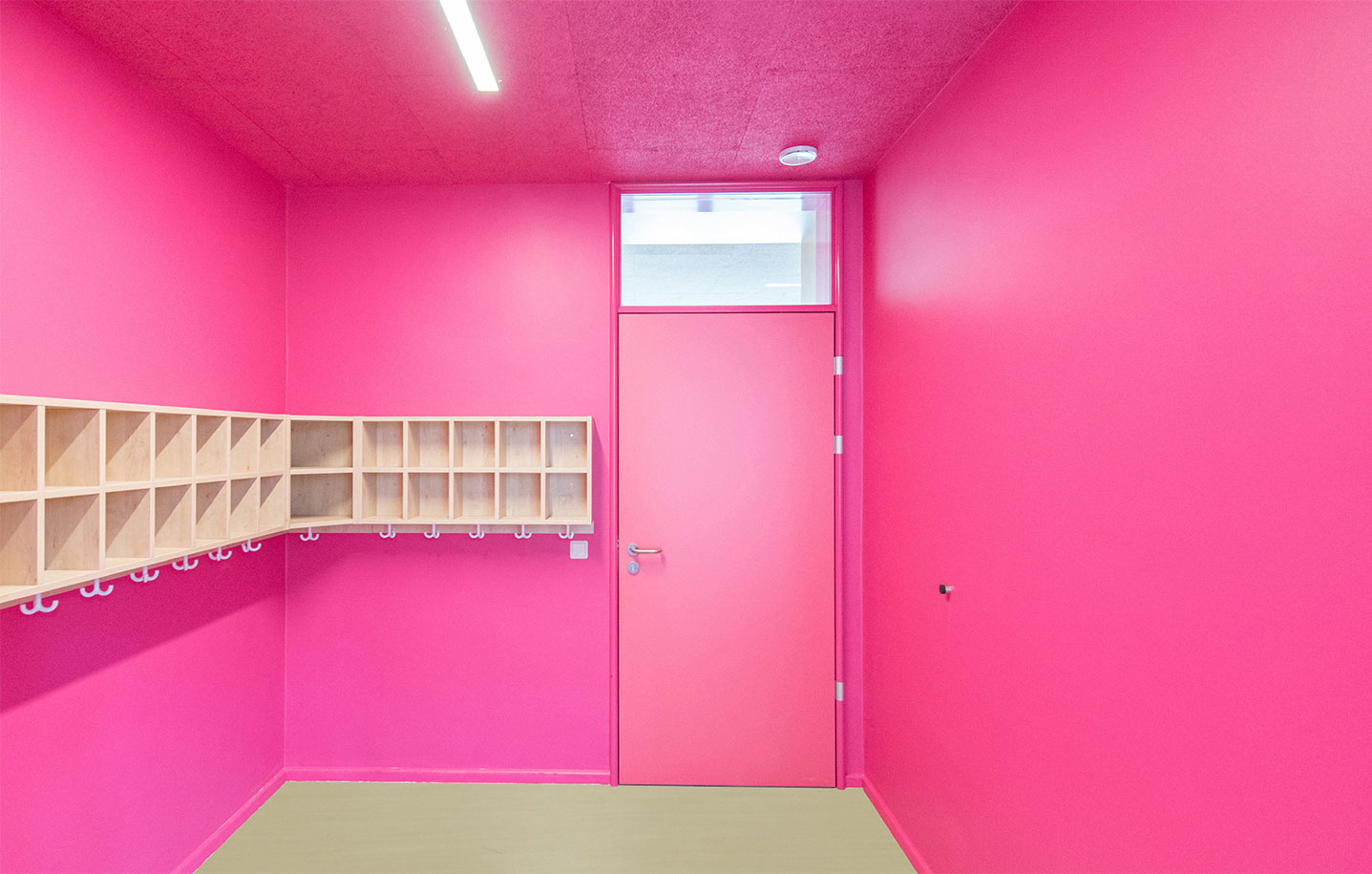 wagemut zur farbe und edelmut zum eloxal k ffner aluzargen. Black Bedroom Furniture Sets. Home Design Ideas